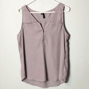 Maurices sleeveless blouse zipper vneck size large